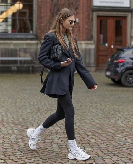 11 looks con leggings fáciles de recrear que son la mar de elegantes