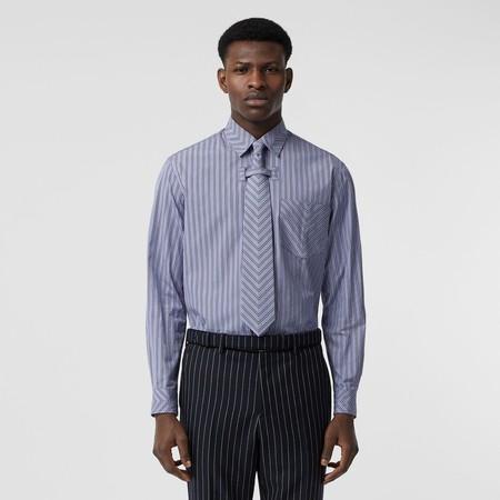 Zac Efron Nicholas Hoult Burberry Shirt Trends 03