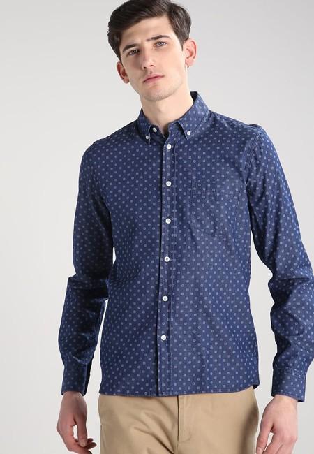 Camisa Redefined Rebel rebajada un 60%, ahora podemos hacernos con ella por un precio de 15,95 euros en Zalando