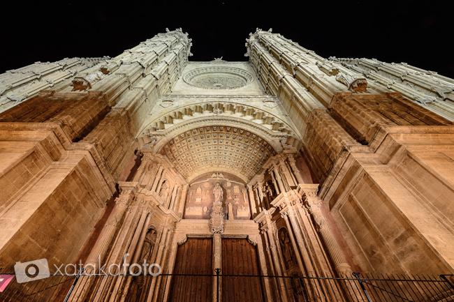 fotografía nocturna de monumentos