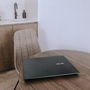 Si eres de las que disfruta dibujando o retocando fotos, este ordenador portátil de Asus te va a flipar (y ahora tiene descuento)