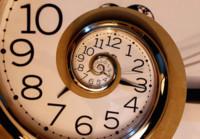 Olvídate de los ajustes, este reloj mantiene la hora por hasta 16 mil millones de años