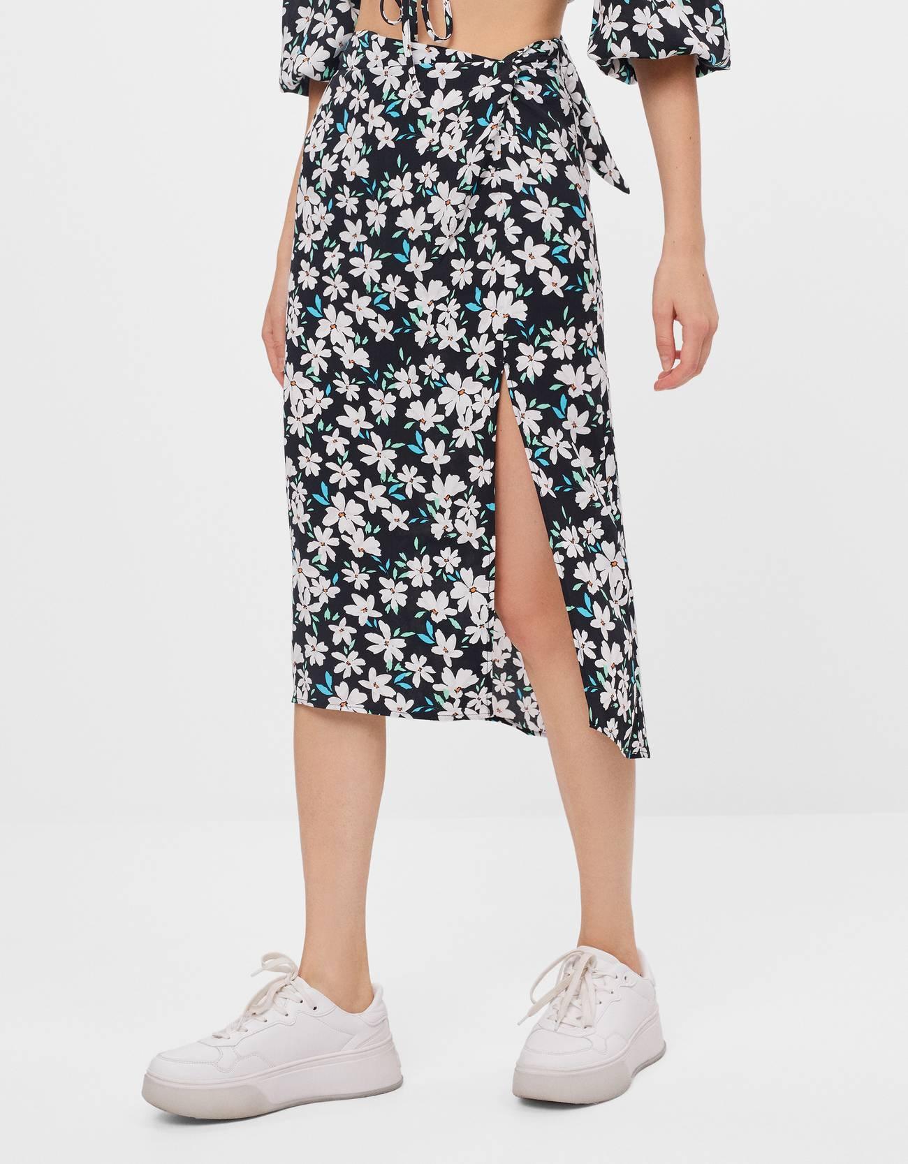 Falda de flores cruzada
