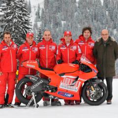 Foto 8 de 13 de la galería ducati-desmosedici-gp-10-presentada-oficialmente en Motorpasion Moto