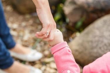 ¿Te imaginas que te quiten a tus hijos por una injusticia? Lo que han sufrido estos padres no se arregla con dinero