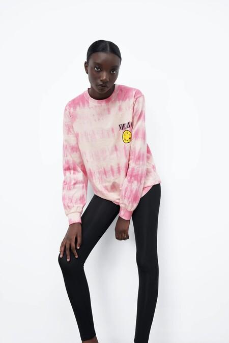 Seas o no fan de Nirvana, Led Zeppelin o Smashing Pumpkins podrías desear (mucho) las nuevas camisetas que ha diseñado Zara