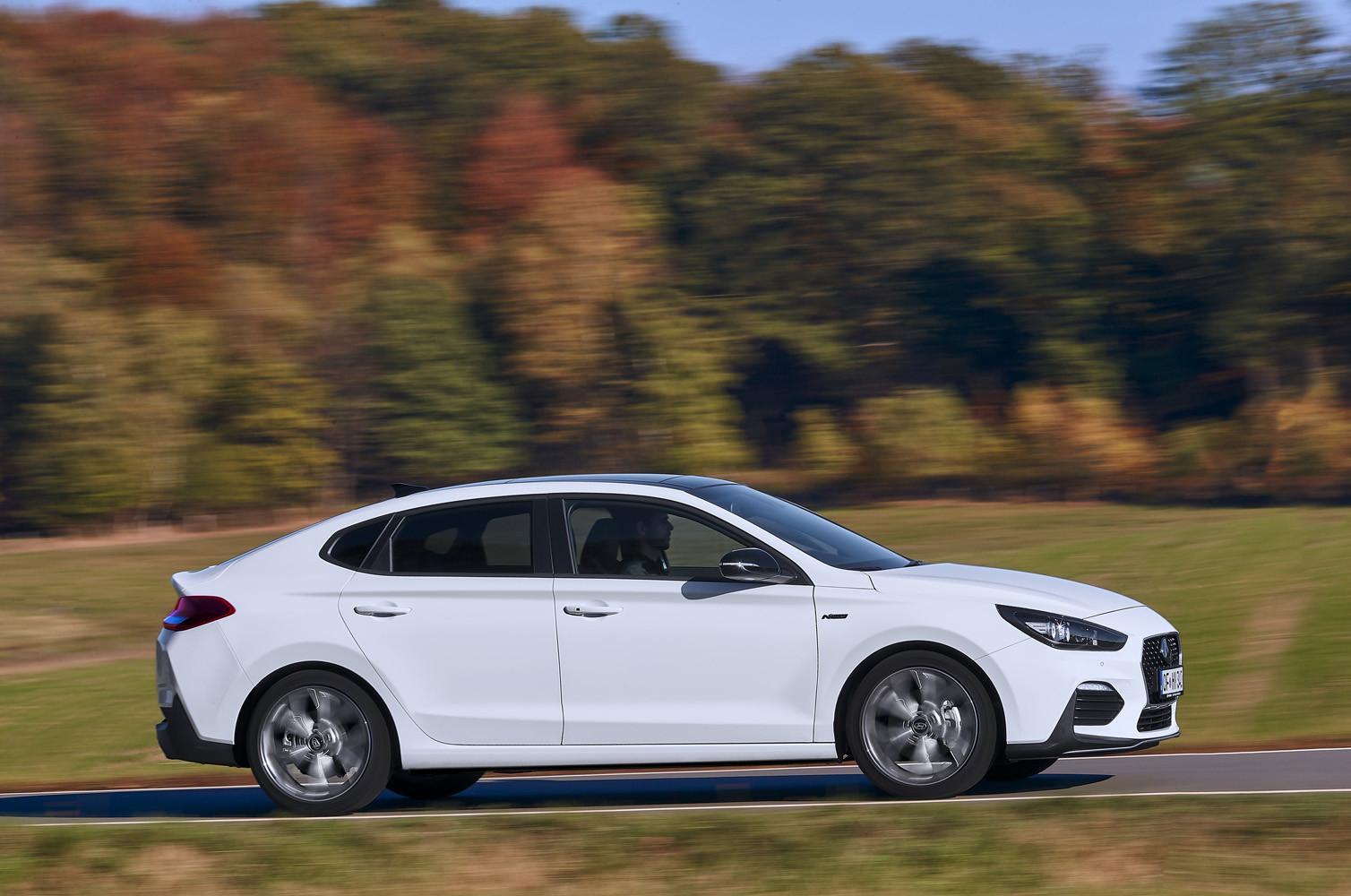 Foto de Hyundai i30 Fastback N-Line (12/23)