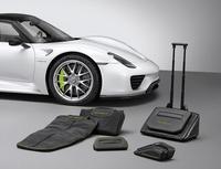¿Te vas este fin de semana con el Porsche 918 Spyder? Llévate las maletas a juego