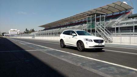 Video: Volvo XC90, así se ve recorriendo el Autódromo Hermanos Rodríguez