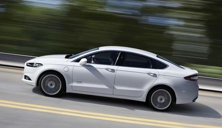 Cerca del 60% de los kilómetros realizados por los híbridos enchufables de Ford van en modo eléctrico