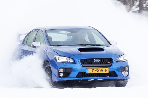 Consejos para conducir con nieve o hielo de forma segura con el temporal Filomena