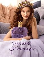 Vera Wang sigue con su perfume Princess con una nueva campaña