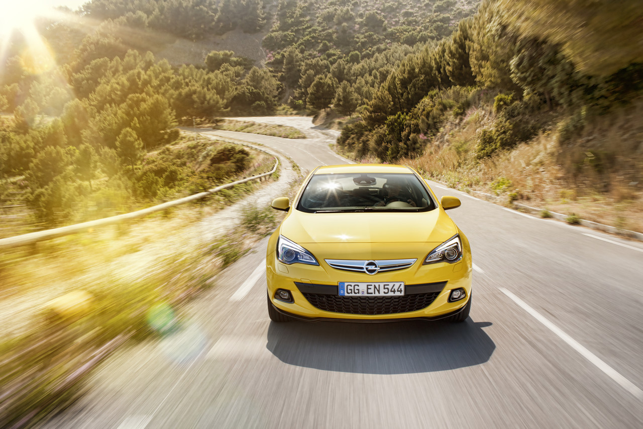 Foto de Opel Astra GTC (34/90)