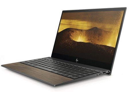Adiós (parcial) al aluminio: la madera conquista hasta el touchpad de los nuevos portátiles de HP
