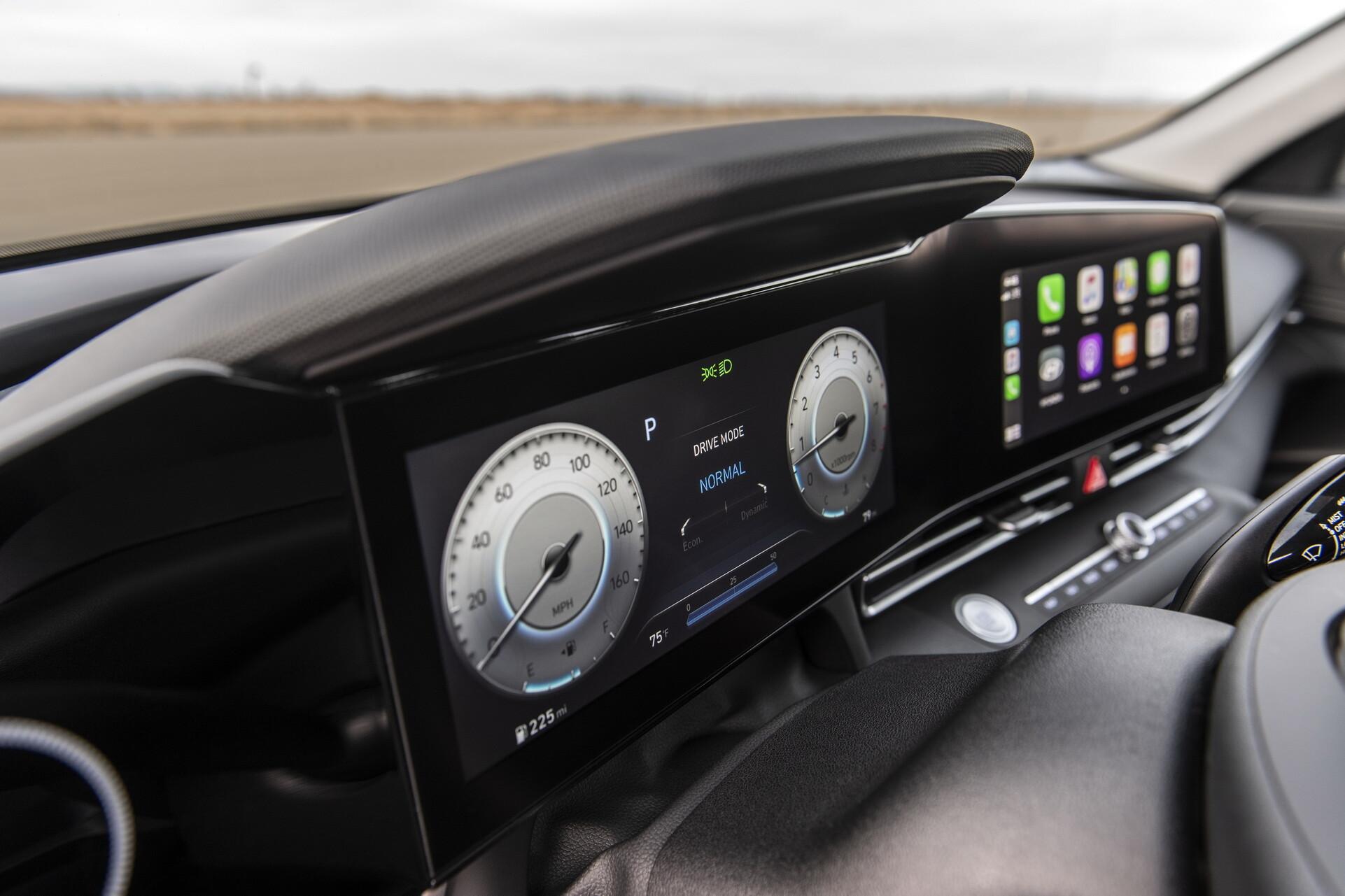 Foto de Hyundai Elantra 2022 (22/26)