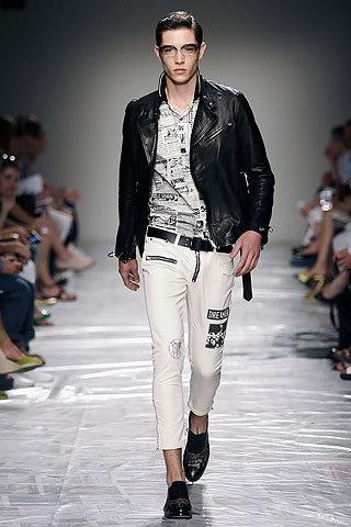 Moschino, Primavera-Verano 2010 en la Semana de la Moda de París