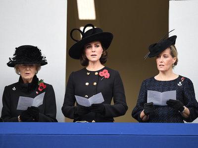 Kate Middleton, muy elegante, de riguroso negro en el homenaje a los caídos en guerras