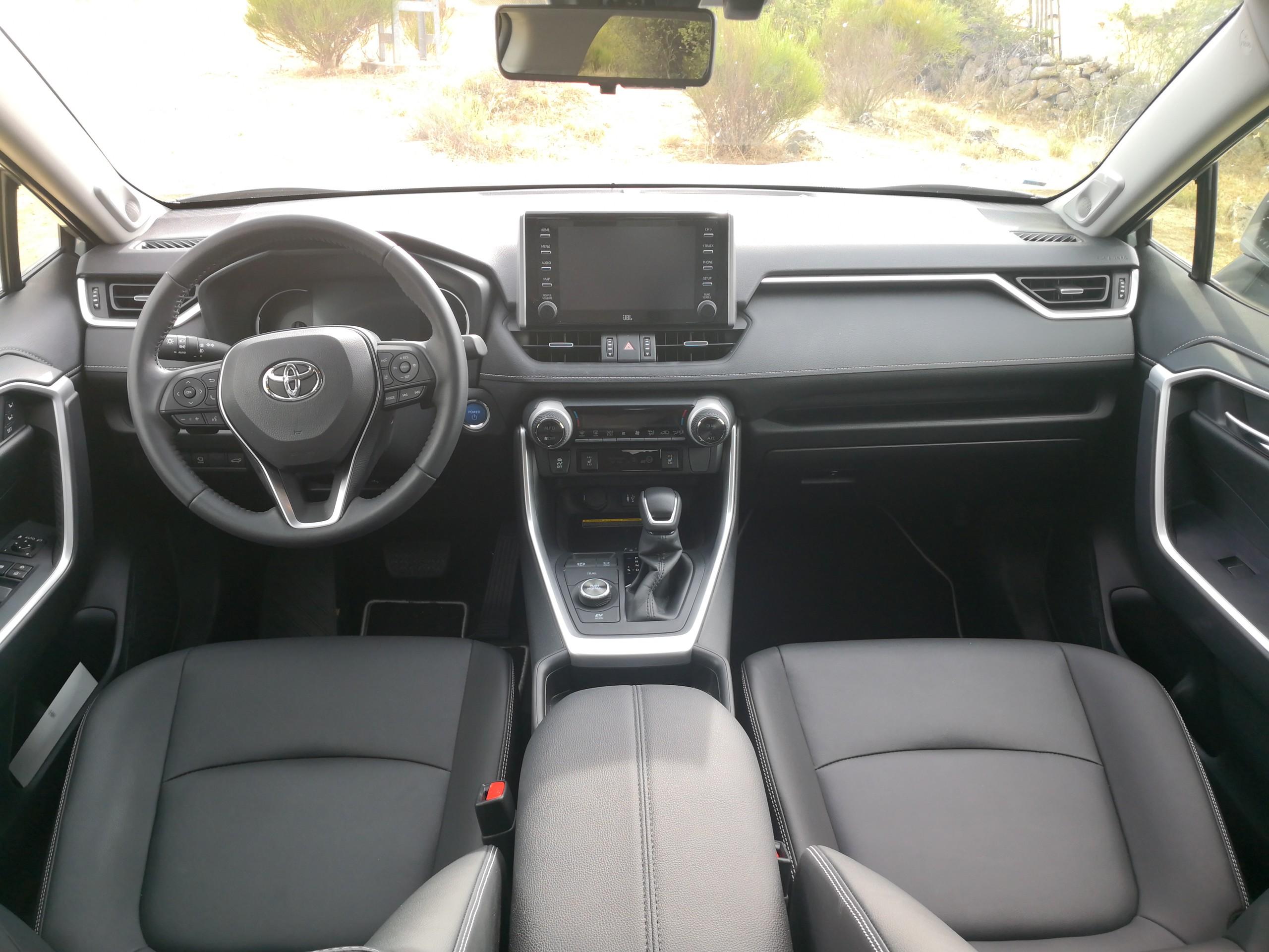 Foto de Toyota RAV4 AWD-i - Fotos interiores (1/17)