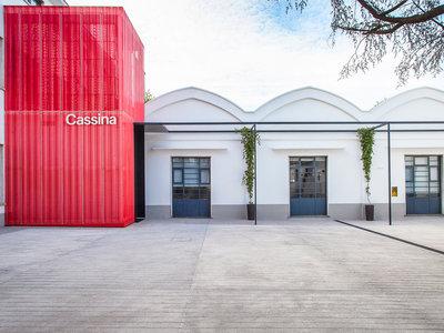 Patricia Urquiola renueva las oficinas de Cassina en Meda, Italia, para celebrar su 90º aniversario