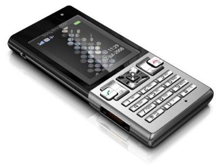 Sony Ericsson T700, vuelve lo básico
