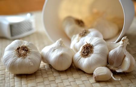 Cómo guardar correctamente ajos en la cocina para que conserven mejor su sabor