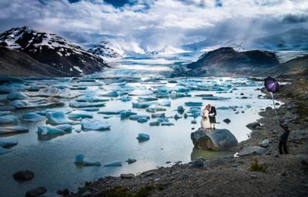 Lo que son capaces de hacer los fotógrafos de boda por obtener fotografías maravillosas