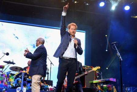 El príncipe Harry se une a Coldplay en el escenario: ¡vivan las buenas causas!