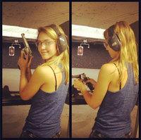 ¡Cuidado! ¡Jessica Alba se nos arma hasta los dientes!