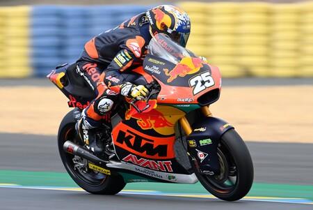 ¡Tremendo! Raúl Fernández también vuela bajo la lluvia para lograr su primera pole position en Moto2