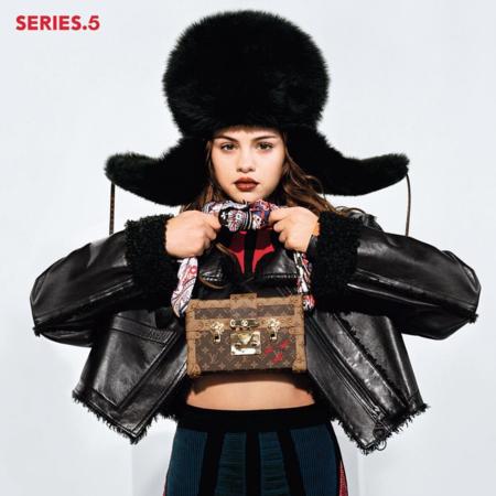 Selena Gómez se convierte en el nuevo rostro de Louis Vuitton y Nicolas Ghesquière está encantado