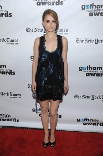 El magnífico vestido de lentejuelas de Natalie Portman para Navidad