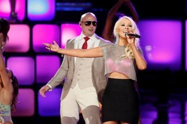 Christina Aguilera y Cher: el feliz reencuentro en la final de The Voice