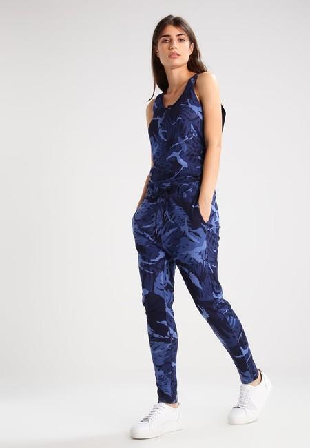 El mono G-Star Lyker Sundu Suit en azul puede salirnos por sólo 47,56 euros en Zalando aprovechando un cupón descuento