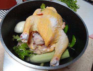 ¿Qué tal un buen caldo de pollo para levantar el espíritu y el cuerpo?