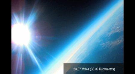 Fotografía espacial con dos compactas y un globo sonda casero