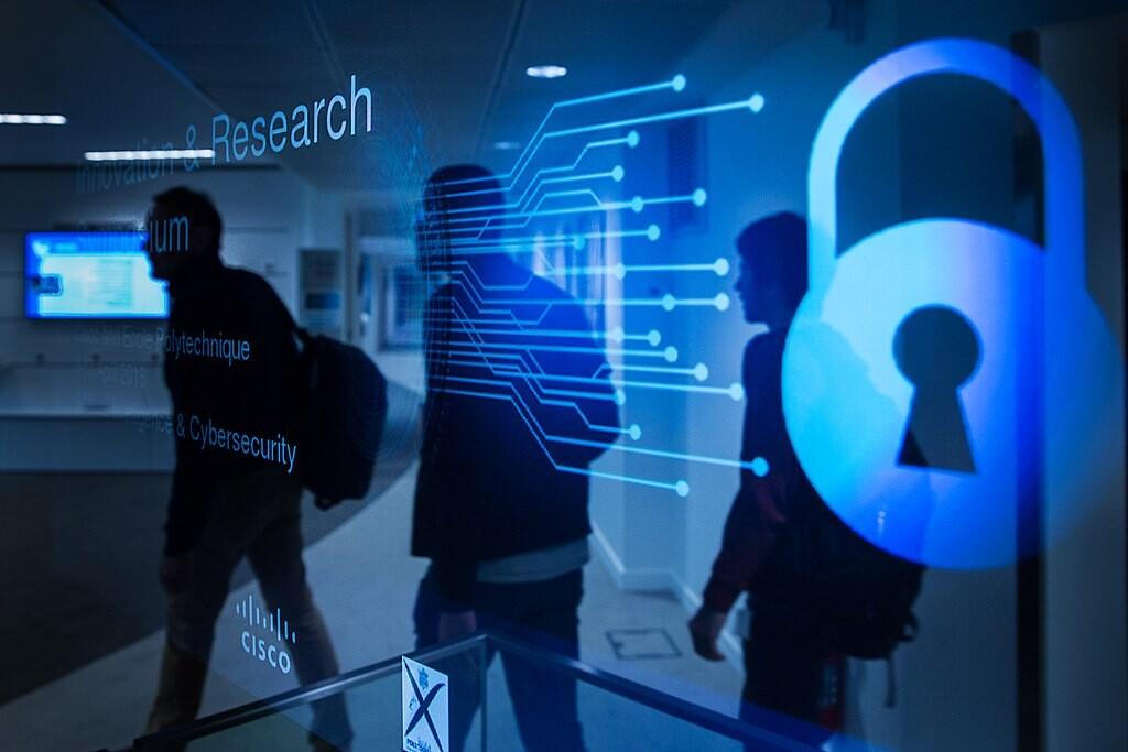 Seis cursos online gratuitos que puedes comenzar en octubre para formarte en ciberseguridad