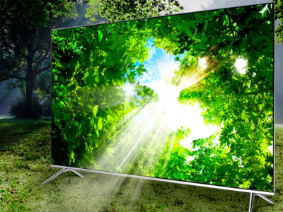 No sólo de pantallas curvas vive el hombre y el Samsung KS7000 es un buen ejemplo en televisores 4K