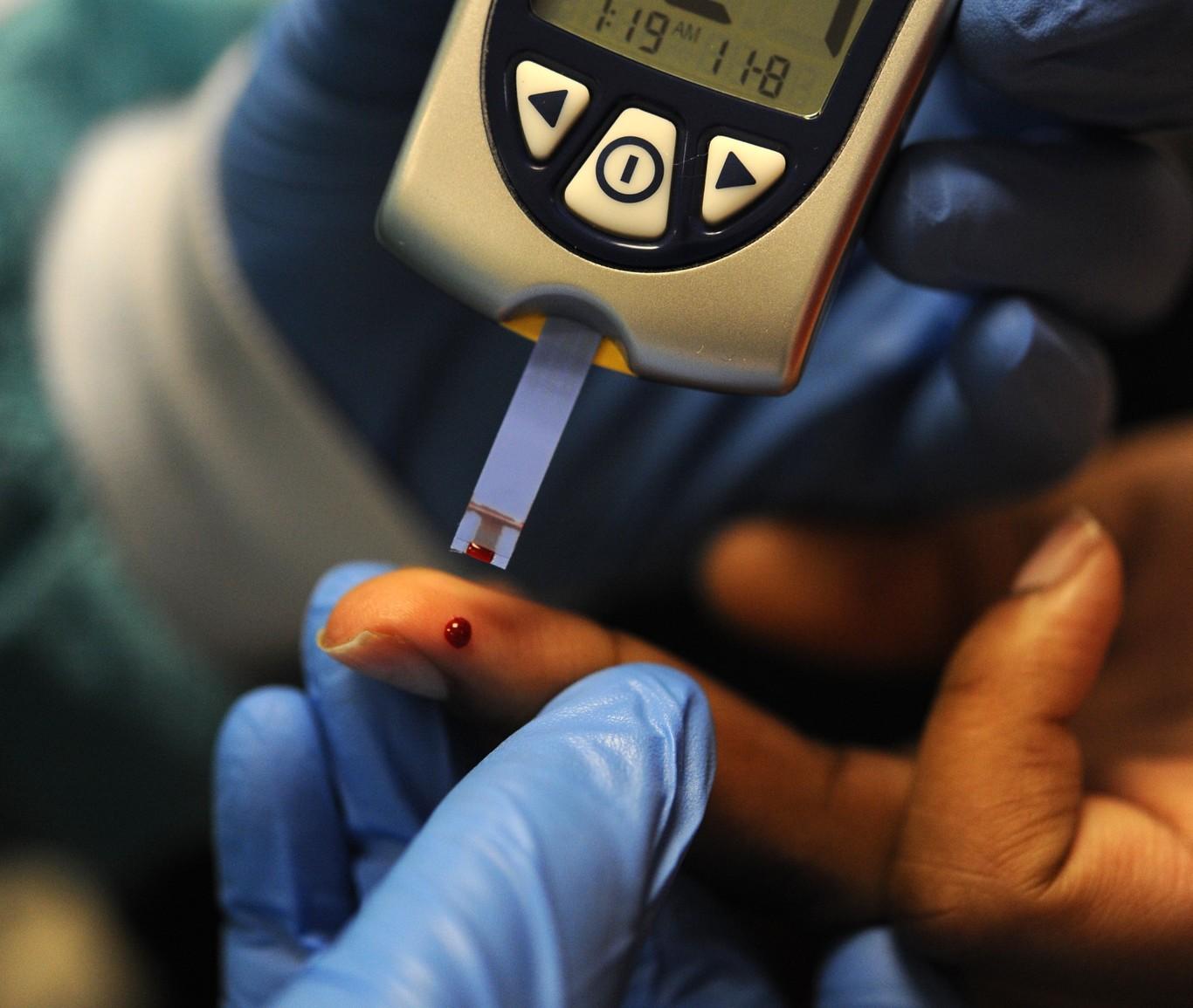 causas de hipoglucemia en diabetes