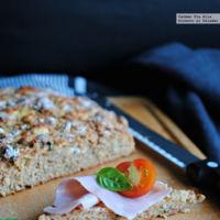 Pan de patata, queso de cabra y albahaca. Receta