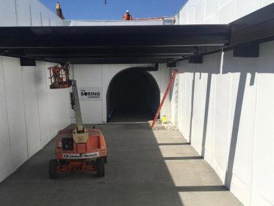 Elon Musk no se detiene y nos presenta nuevas imágenes y vídeos de su compañía de túneles 'The Boring Company'