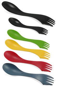 Cuchillo, tenedor y cuchara, tres en uno