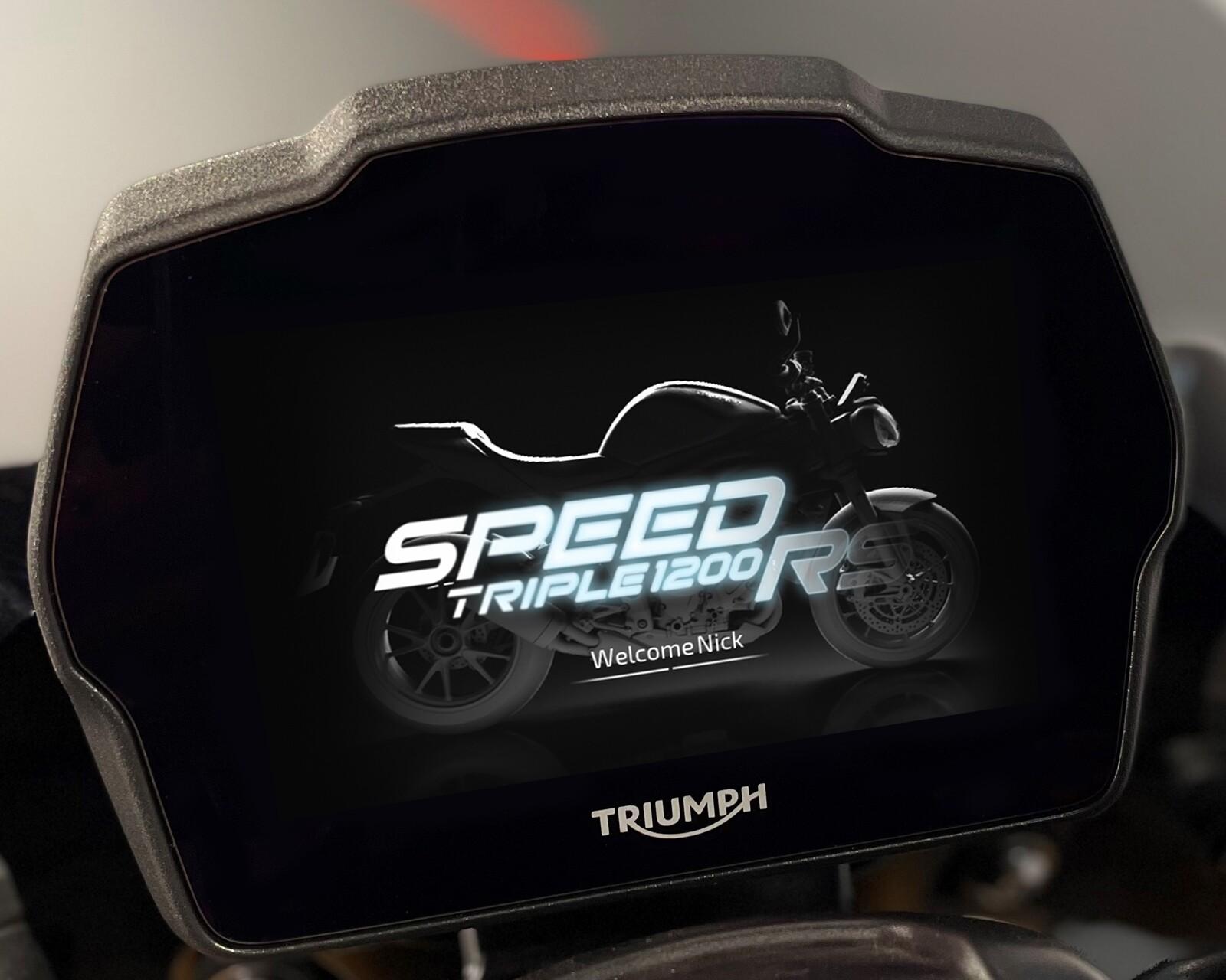 Foto de Triumph Speed Triple 1200 RS 2021 (13/71)