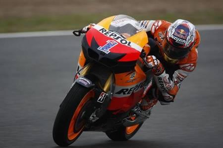 MotoGP Portugal 2012: arrancan los primeros libres con un asfalto delicado