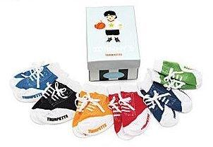 Calcetines que simulan zapatillas para bebés