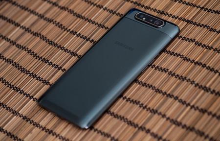 Samsung Galaxy A80 Trasera 03