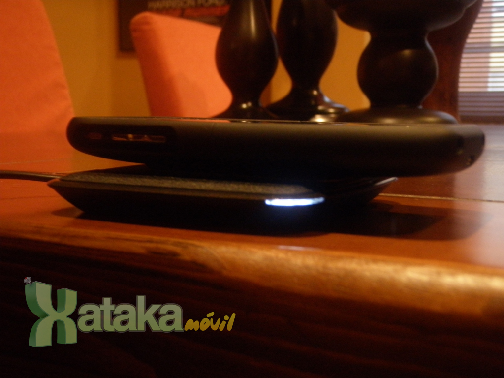 Foto de Análisis: Powermat Wireless Charging System para iPhone (1/14)