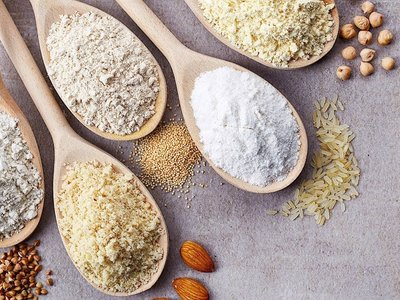 Ocho harinas alternativas y saludables con las que puedes cocinar (además libres de gluten)