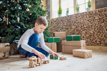 25 juguetes ecológicos para niños de todas las edades, para regalar en Navidad