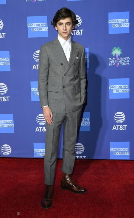 Timothee Chalamet Hace Del Desenfado Y Lo Simple Lo Mas Elegante De Su Look En El Palm Springs International Film Festival Red Carpet 3