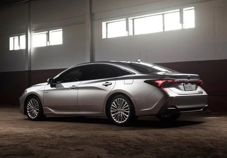 Toyota Avalon 2018 1
